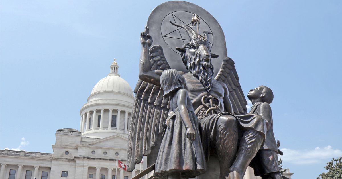 Hail Satan? ทำให้ความสนุกสนานในลัทธินับถือลัทธิซาตาน
